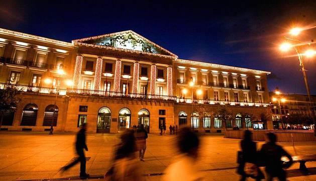 Pamplona enciende el alumbrado navideño