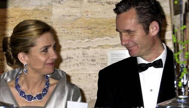 Imágenes de Iñaki Urdandarín desde el día de su boda con la Infanta Cristina el 4 de octubre de 1997 en Barcelona