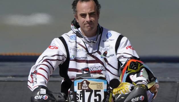 El piloto argentino Jorge Andrés Martínez Boero ha fallecido este domingo tras caerse en la primera etapa del Dakar
