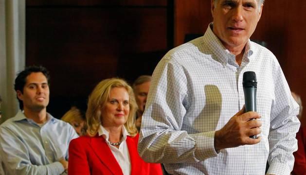 Mitt Romney se perfila como el candidato republicano para noviembre