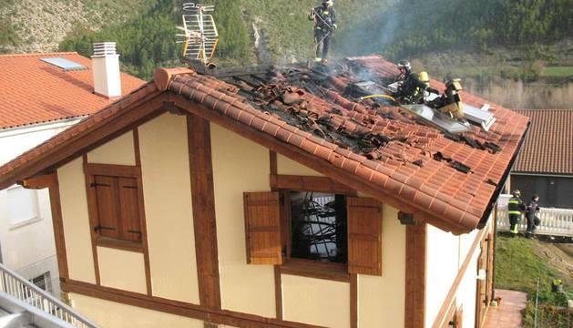 Imagen de un incendio registrado el pasado 25 de diciembre en una vivienda de Aoiz.