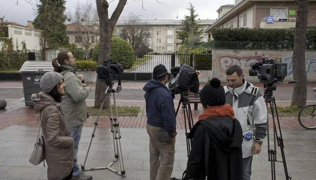 Periodistas, ante la casa de la familia Urdangarín en Vitoria