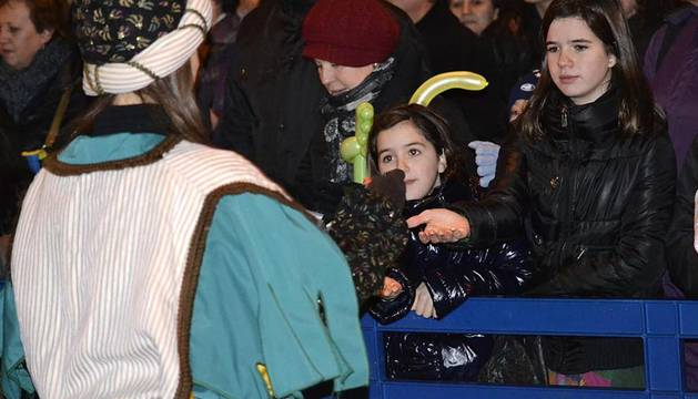 Imágenes de la Cabalgata de los Reyes Magos de Pamplona, este jueves 5 de enero de 2011.