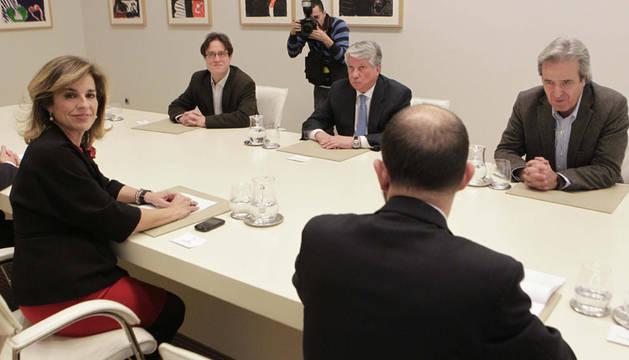 La alcaldesa de Madrid, Ana Botella, durante la reunión que han mantenido este jueves en la sede del Ayuntamiento