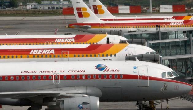 Varios aviones de Iberia