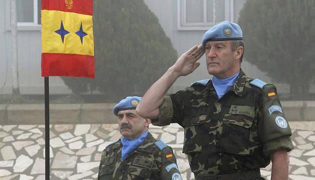 Los militares españoles integrados en la Fuerza Interina de Naciones Unidas para el Líbano (FINUL) enseñan el castellano a unos 4.000 alumnos