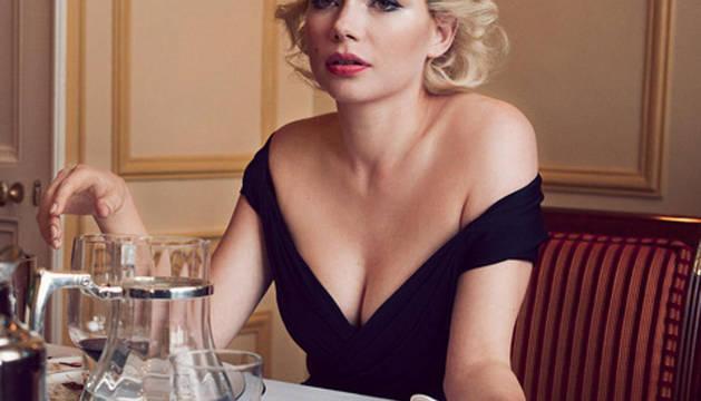 Michelle William caracterizando a Marilyn Monroe