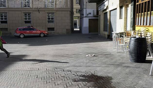Exterior del establecimiento de hostelería ubicado en la Plaza de los Fueros de Valtierra, cerca del cual el joven Dayan Murillo Blasco ha fallecido al recibir varios disparos