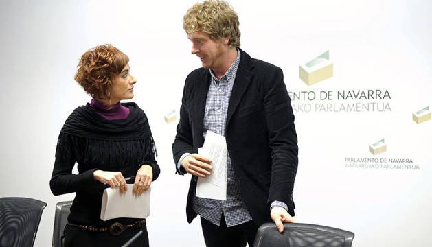 Los parlamentarios de Bildu en el Parlamento Foral Maiorga Ramírez y Bakartxo Ruiz