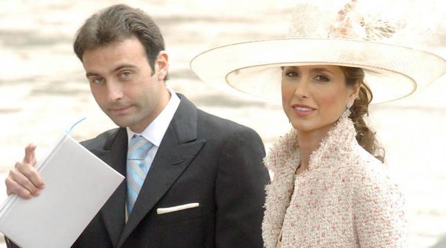 El torero Enrique Ponce y su esposa, Paloma Cuevas, en una imagen de archivo.