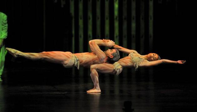 Dos trapecistas del Cirque du Soleil