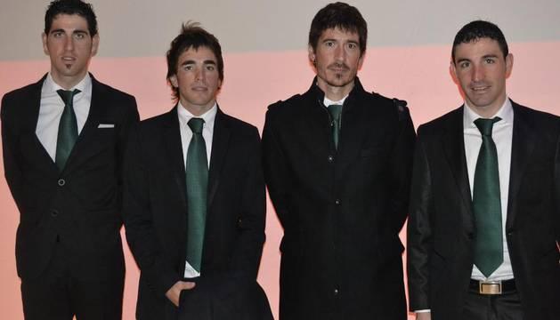 Javier Aramendía, Aitor Galdós, Mikel Azparren y David de la Fuente, representantes del Caja Rural en la presentación de la Vuelta España 2012