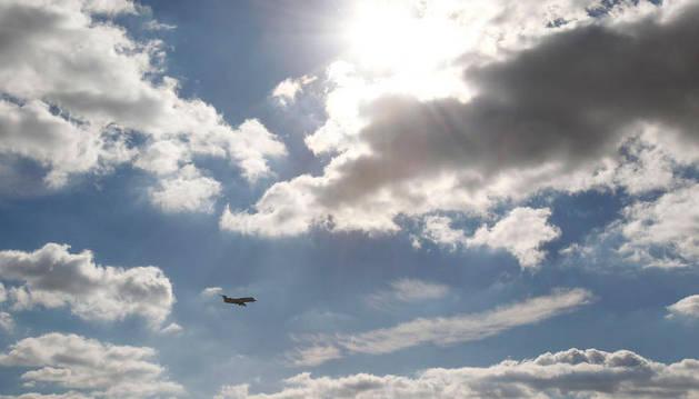 Descubren una partícula que podría acelerar la  formación de nubes