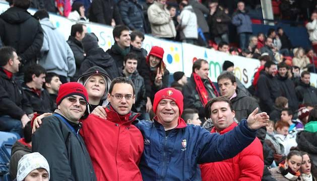 Búscate en la grada del Reyno durante el partido entre Osasuna y el Racing de Santander este domingo