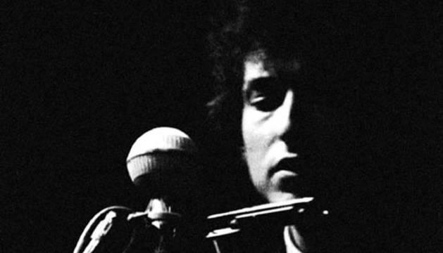 Bob Dylan en el festival de Newport