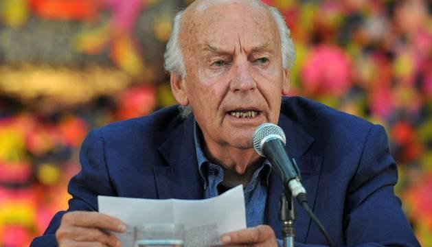 El escritor uruguayo Eduardo Galeano pronuncia un discurso el día 16 de enero durante la inauguración de la edición 53 del Premio Literario Casa de las Américas en La Habana (Cuba)