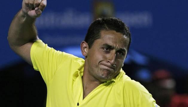 Nicolás Almagro, celebrando su victoria ante Dimitrov