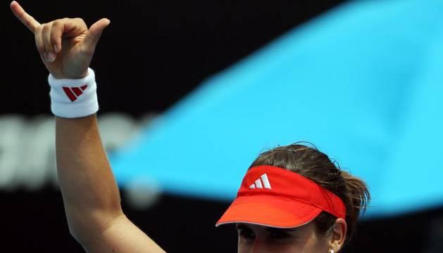Anabel Medina celebra su pase a la tercera ronda del Open Australia