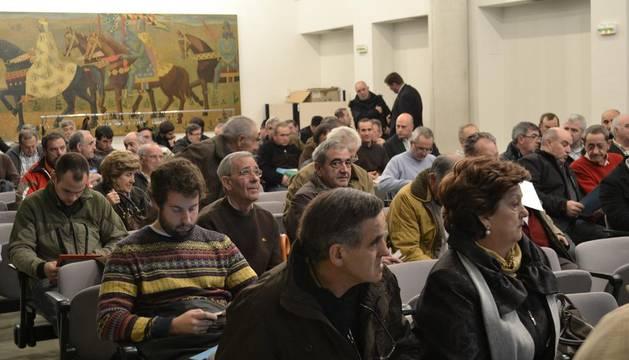 Imagen de la subasta de 49 vehículos y maquinaria del parque móvil del Gobierno de Navarra