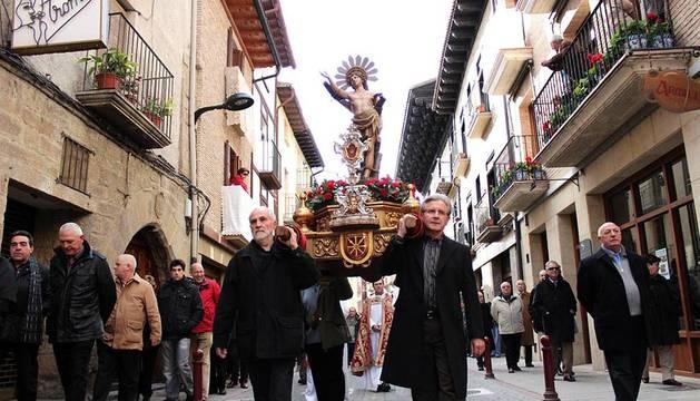 Sangüesa honra a San Sebastián