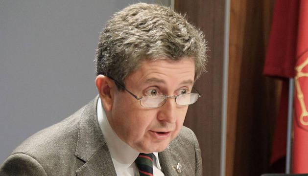 El consejero de Economía de Navarra, Álvaro Miranda, ha indicado que esperará a que el gobierno de Mariano Rajoy adelante la previsión económica de España para, en función de ella, elaborar la de Navarra.