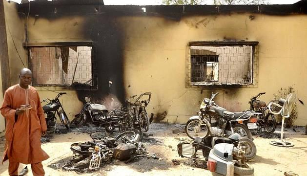 Al menos 121 personas han fallecido a consecuencia de la ola de atentados perpetrados este viernes por integrantes de la secta Boko Haram en la ciudad nigeriana de Kano, según informaron fuentes de Cruz Roja.