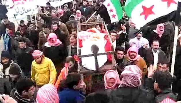 El Consejo de Asuntos Exteriores de la Unión Europea se reunió este lunes para hablar de la situación de violencia en Siria, entre otros temas. Mientras opositores continúan las protestas en las calles contra el régimen de Bashar al-Assad y la violencia se hace palpable en las calles de ciudades como Damasco.