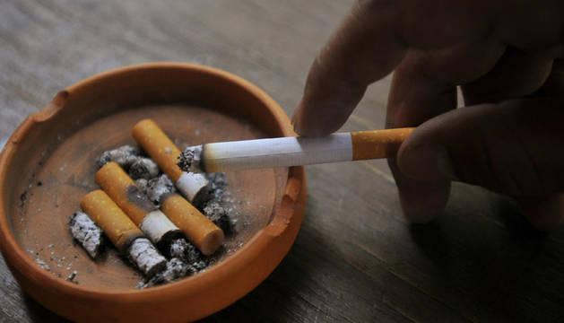 El estudio apunta a que los pacientes con cáncer de pulmón tienen mayores índices de tabaquismo antes y después del diagnóstico