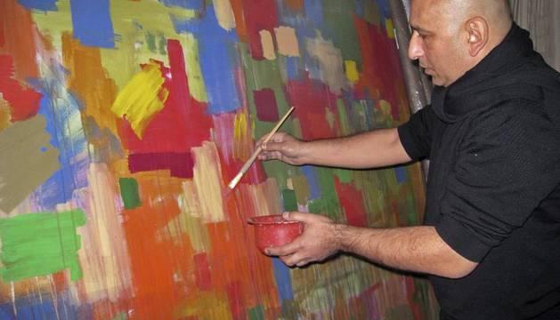 El pintor egipcio Jaled Hafez
