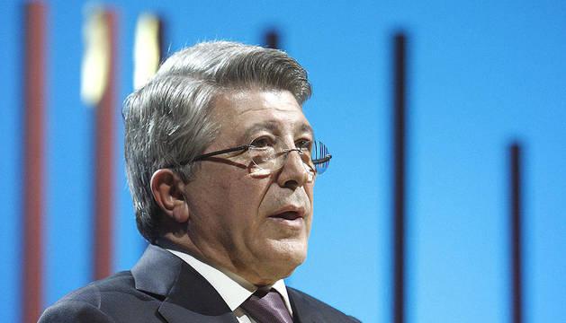 El presidente de la Entidad de Gestión de los Derechos de los Productores Audiovisuales (EGEDA), Enrique Cerezo, durante la entrega de los premios José María Forqué 2012