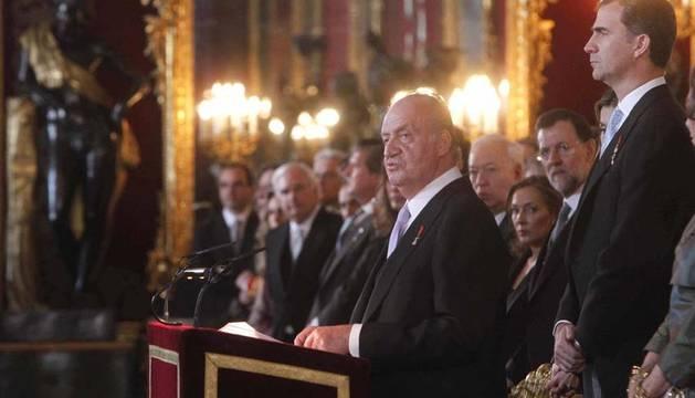 El rey don Juan Carlos durante su intervención en la recepción anual al cuerpo diplomático acreditado en España