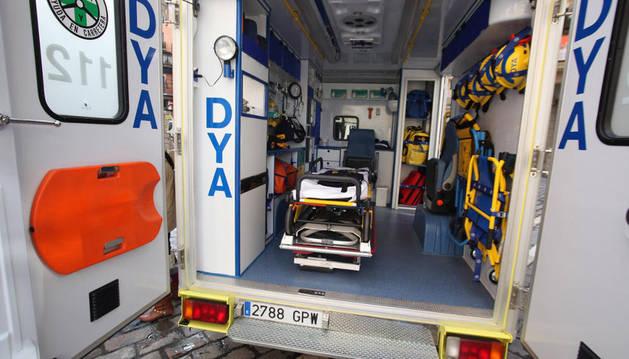 Una ambulancia de la DYA