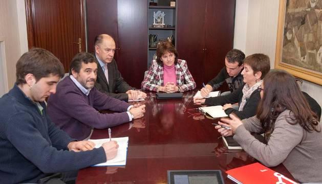 Vera con los alcaldes de Cinco Villas, a principios de mes