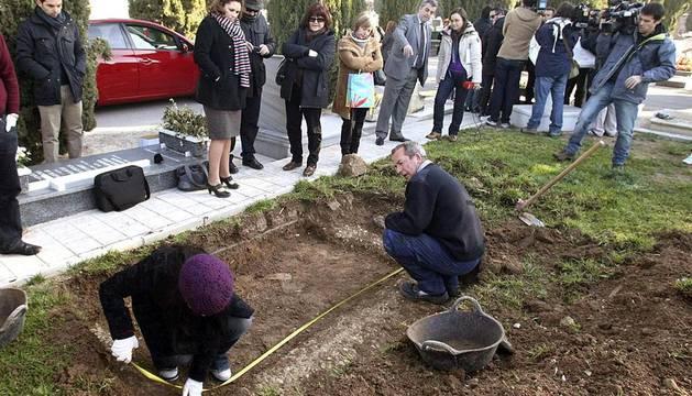 Exhumación de supuestos bebés robados en Alicante