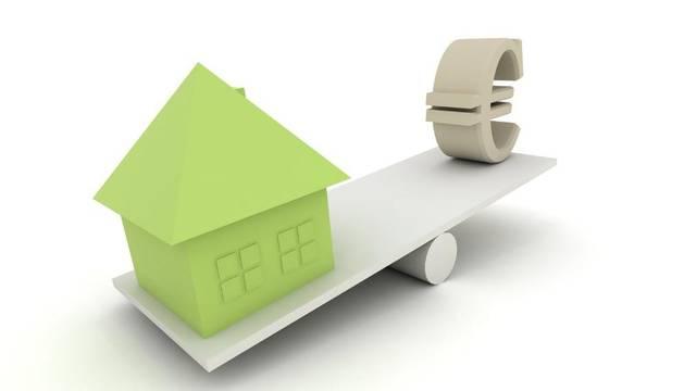 El volumen de hipotecas nuevas podría caer entre un 15% y un 20% en 2012, lo que llevaría a una reducción de la cartera de este tipo de crédito de entre el 5% y el 6%