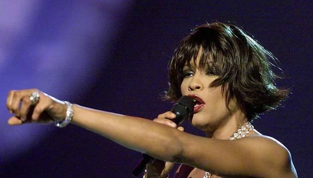 Whitney Houston, en la ceremonia de los Grammy en el año 2000