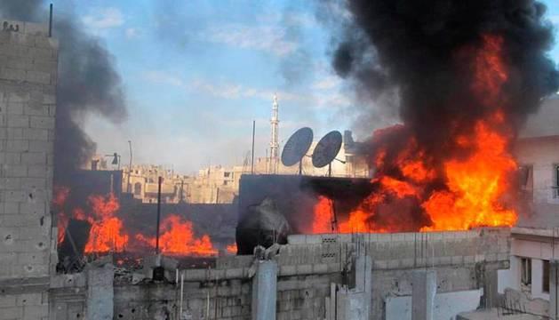 Fuerzas sirias bombardean áreas rebeldes en Homs