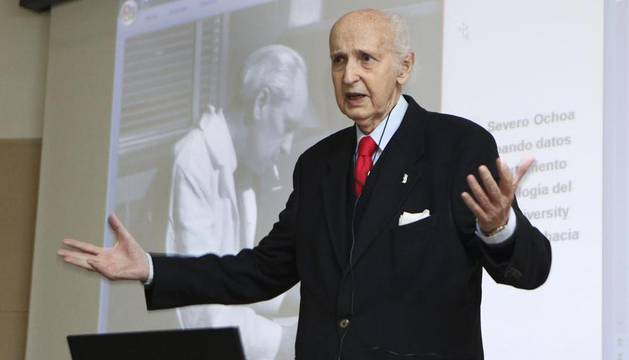 El científico Santiago Grisolía, con cuya intervención cerraron las II Jornadas sobre Amor y Ciencia celebradas en Teruel
