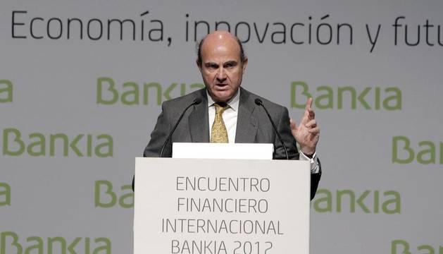 El ministro de Economía y Competitividad, Luis de Guindos este lunes durante su intervención en las jornadas del Encuentro Financiero Internacional Bankia 2012