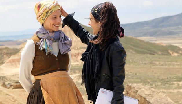 Maribel Verdú, rodando en las Bardenas