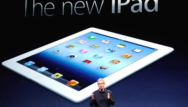 Tim Cook, de Apple, durante la rueda de prensa en San Francisco con motivo de la presentación del nuevo iPad