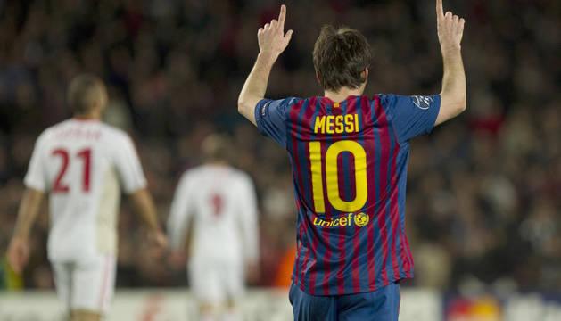 Messi celebra uno de sus cinco goles