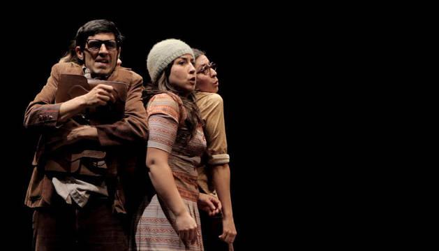 Escena de la compañía de teatro Dejabu