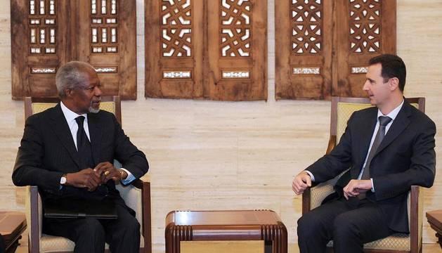 El enviado de la ONU y de la Liga Árabe para Siria, Kofi Annan, en la entrevista con el presidente sirio, Bachar al Asad