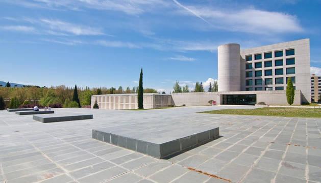 Explanada de comunicación de la Universidad de Navarra