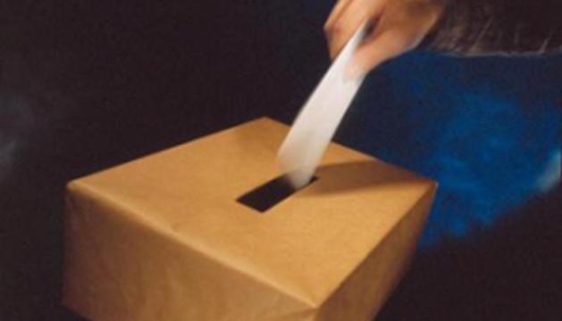 Andaluces y asturianos votan este domingo