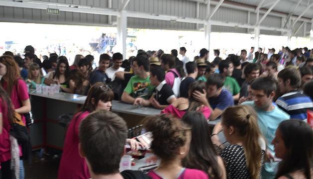 Varias imágenes del amibente de por la tarde en la Carpa de primavera 2012