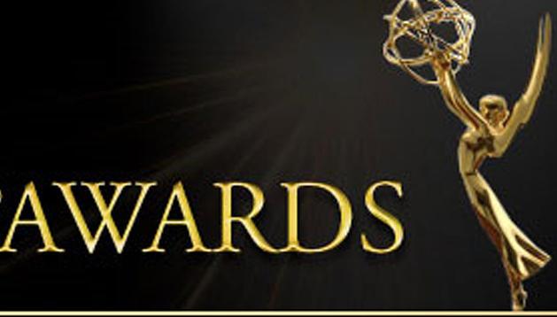 Estatuilla de los premios Emmy Digital Internacional