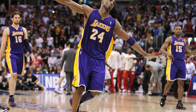 Kobe Bryant hace el
