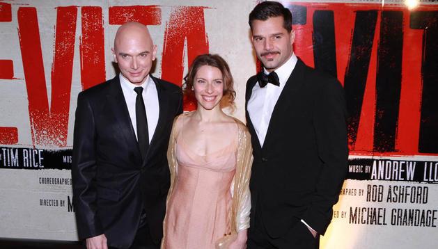 La actriz argentina Elena Roger(c), el cantante Ricky Martin (d) y el actor estadounidense Michael Cerveris(i)